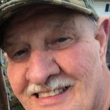 Rencontre Petevanr@1, Homme de 71 ans