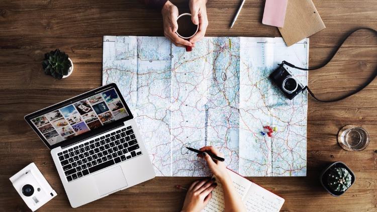 Les premières vacances en couple : plaisir ou défi?